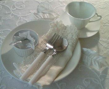 白のテーブルウェァ