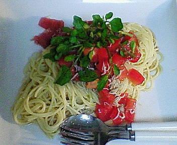 トマトとしらすの和風冷製パスタ