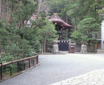 鶴岡八幡宮へ参拝に・・・