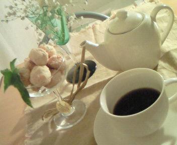 Tea timeのテーブル、