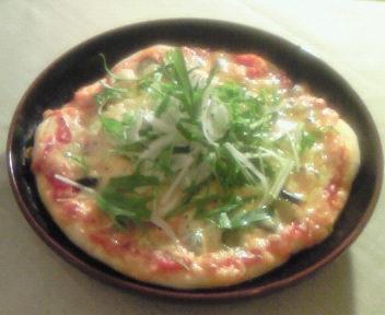 新玉葱のサラダピザ!