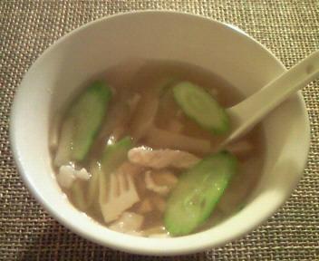 豚肉ときゅうりと搾菜のスープ