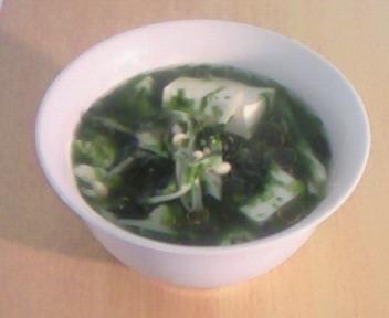 青海苔と豆腐のスープ