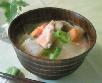 斤目鯛のアラ汁〜☆
