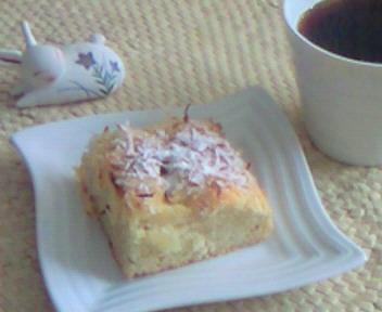 パイナップルとココナッツのケーキ&コーヒー☆