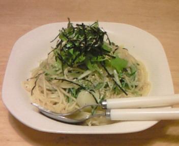 水菜のオイルパスタ・柚子胡椒風味〜。